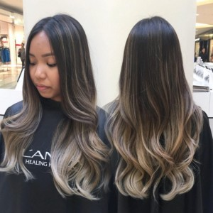 This is an example of balayage, you can see how there are some highlights and lowlights but overall the roots are still darker than the ends.